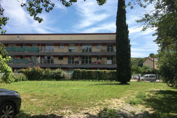 Rieux-Volvestre au sud de Toulouse, la résidence d'où le tireur octogénaire a blessé un voisin à coups de fusil - 1er juillet 2021.
