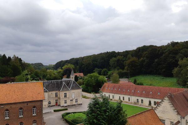 L'abbaye de Belval, près de St-Pol-sur Ternoise dans le Pas-de-Calais, continue de vivre grâce à une association de passionnés...