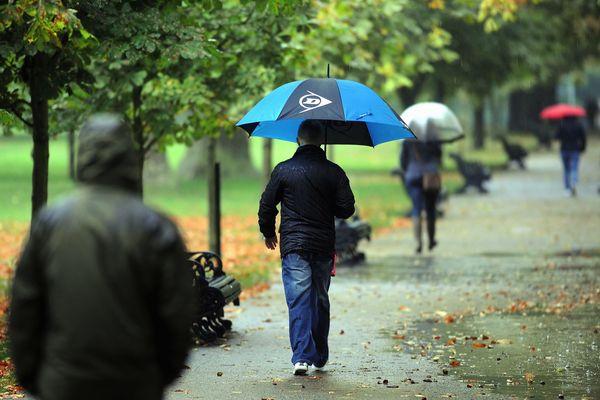 Prévoir un parapluie aujourd'hui dans la région.