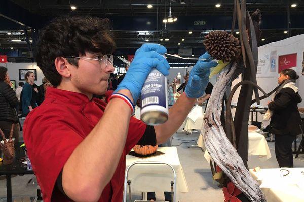 Une vingtaine d'apprentis s'affrontent à l'occasion de ce prix, qui vise à mettre à l'honneur l'artisanat de la chocolaterie.