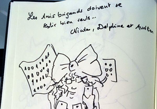 Signé Nicolas, Delphine et Aurélien...