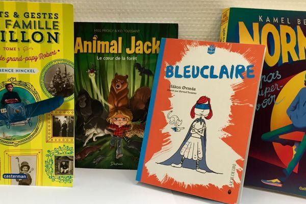 4 livres sur des enfants super-héros