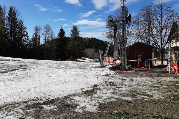 Par manque de neige la station de Turini Camp d'argent est malheureusement contrainte de fermer.