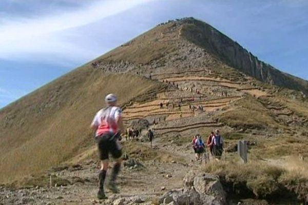 Premier jour des trails du Sancy, aperçu du trail court. Vous prendrez bien une petite ascension du Puy de Sancy en guise d'échauffement ?