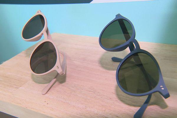 Les lunettes sont fabriquées dans un atelier à Lunel - novembre 2020