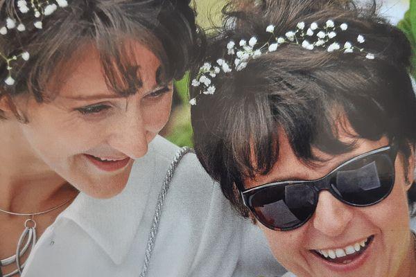 Caroline et Fanélie à leur mariage