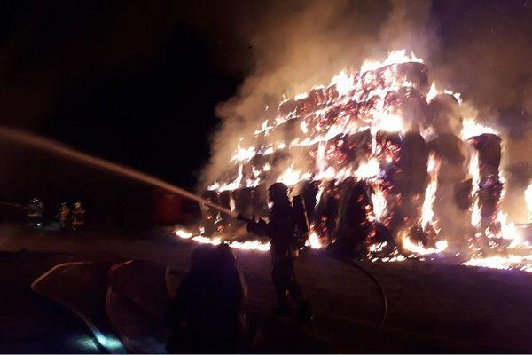 Incendie d'un entrepôt agricole à Reiningue, ce vendredi vers minuit