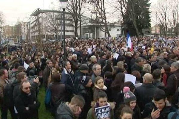 Rassemblement du jeudi  8 janvier au Parc Victor Thuillat à Limoges. Des milliers de personnes s'étaient réunies