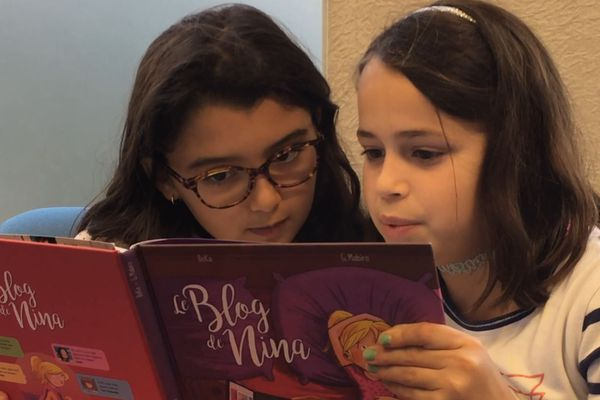 Andréane et Anna en pleine lecture