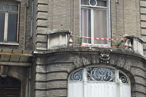 Rouen - 2 mai 2021 : la fenêtre de la maison du 37 rue d'Elbeuf où a eu lieu l'accident