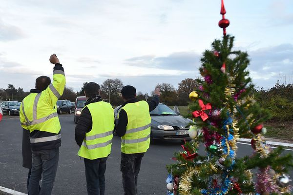Certains Gilets jaunes affirment vouloir tenir jusqu'à Noël