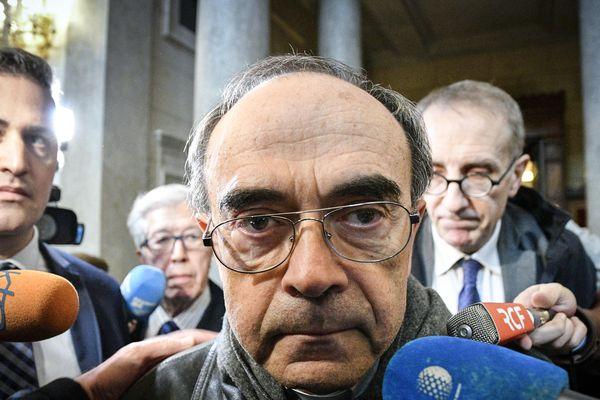 """Lyon le procès en appel du Cardinal Barbarin. A la sortie de la salle d'audience vendredi à 13H """"Je suis soulagé, je m'en remets à la décision de la Justice"""" a déclaré Philippe Barbarin."""