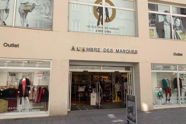 Un des seuls commerces qui a ouvert ses portes à Metz en ce jour de la fête des mères.