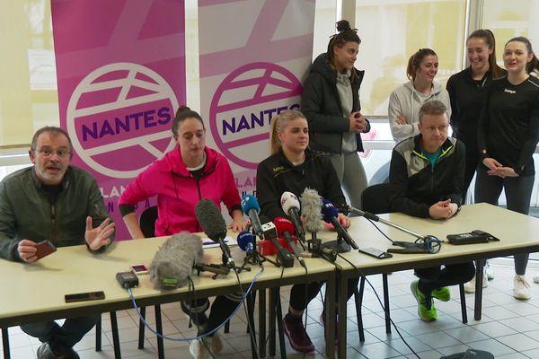 Toutes les joueuses n'étaient pas présentes lors de cette conférence de presse qui justifiait les tests de grossesse.
