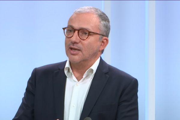 Denis Thuriot, maire LREM de Nevers, sur le plateau de Dimanche en Politique en 2020