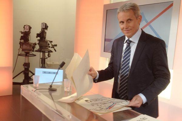 """Joel Bruneau sur le plateau de France 3 en marge de l'émission """"la Voix est Libre"""" en septembre 2012"""