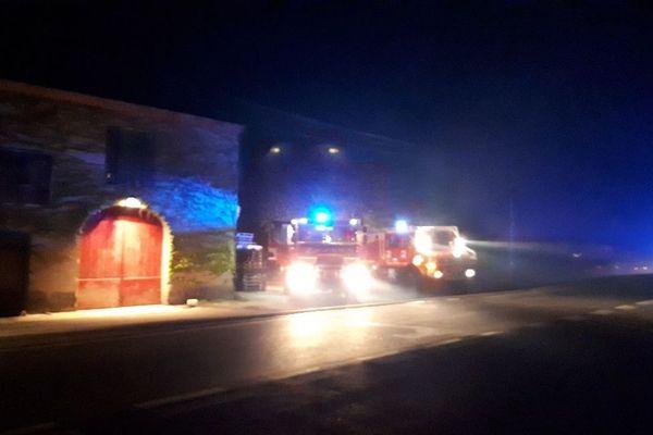 Les sapeurs-pompiers du Gard sont intervenus pour un feu de mobil-homes et de végétation sur la commune de Saze en bordure de la RN 100.