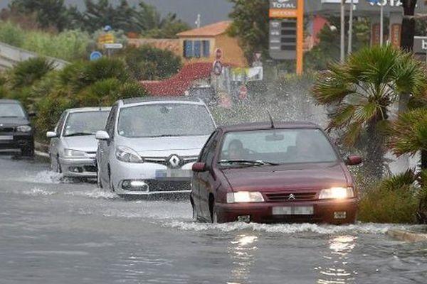 Une route inondée à Palavas, dans l'Hérault - 13 octobre 2016