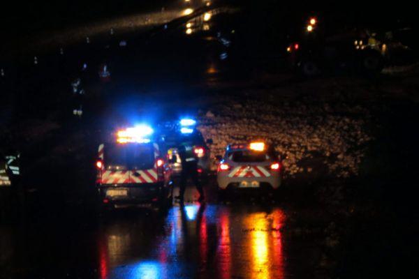 Le chauffeur routier a été percuté par un véhicule en tentant de récupérer son chargement perdu sur l'autoroute
