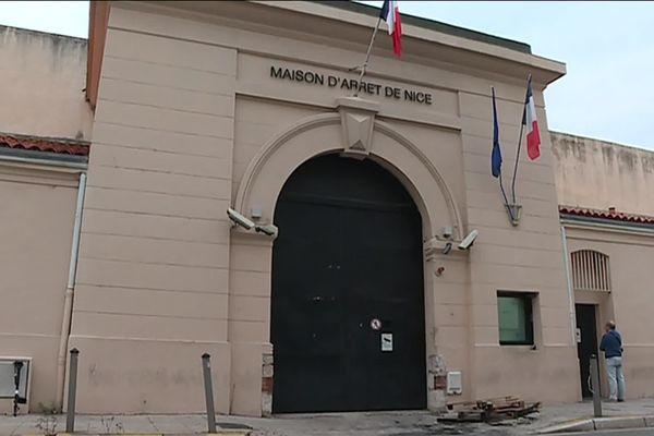La façade de la maison d'arrêt de Nice.