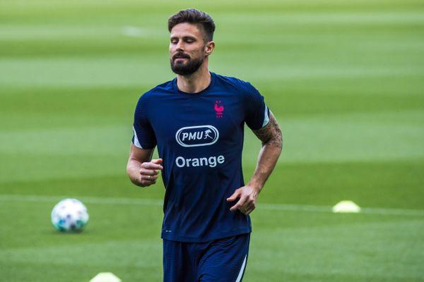 Le joueur de l'équipe de France soutient la candidature de Tours comme camp de base d'une équipe internationale pour la Coupe du Monde de Rugby 2023.
