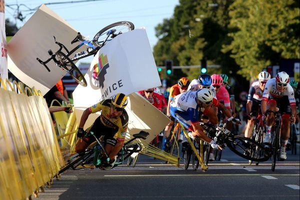 L'impressionnante chute à l'arrivée de la première étape du Tour de Pologne, le 5 août.