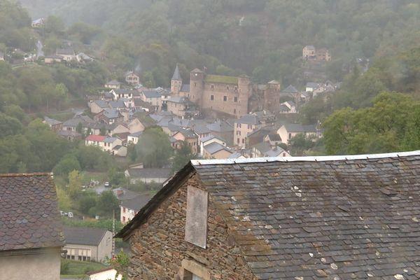 La commune de coupiac, dans le Sud-Aveyron, cherche à recruter un médecin en vantant ses atouts sur internet