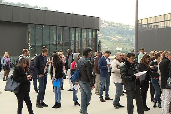 Plus d'un millier de personnes se sont présentées ce matin au 4ème Forum de l'Emploi organisé à l'Allianz Riviera