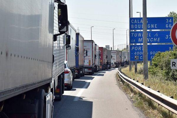Un blocage de l'A16 à Calais.