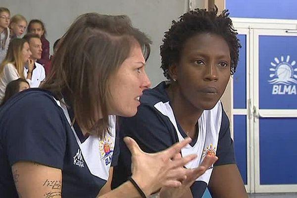 Montpellier - Anaël Lardy et Fatimatou Sacko sur le banc des blessées - 19 octobre 2017.