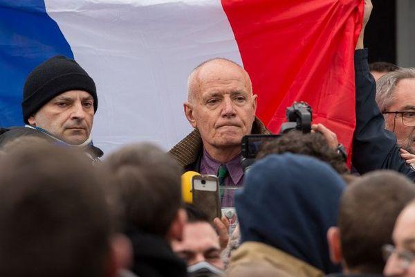 Christian Piquemal, samedi, lors de la manifestation anti-migrants interdite à Calais.