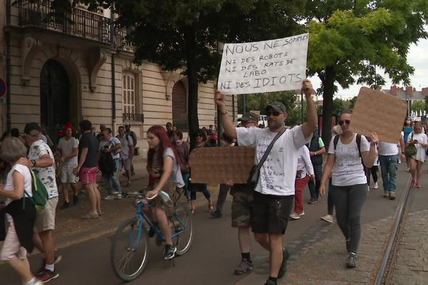 Samedi 31 juillet, les opposants au pass sanitaire avaient défilé dans le secteur interdit par la Préfecture.