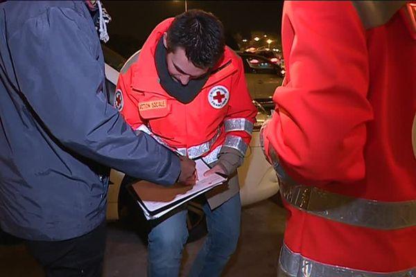Les maraudeurs de la Croix-Rouge vont à la rencontre des SDF du côté de la gare de Limoges