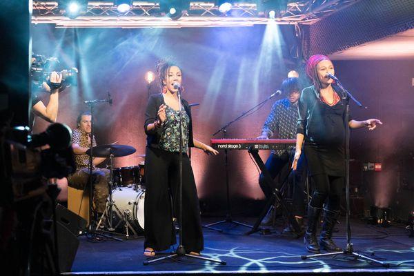 Pour respecter les restrictions sanitaires, le groupe aura laissé deux musiciens à la maison pour l'enregistrement de #Studio3.