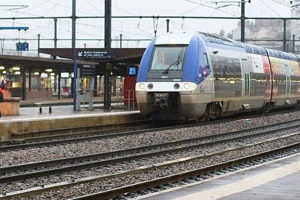 Depuis 2002, les Régions sont chargées des TER (trains express régionaux).