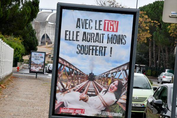 Béziers - Les affiches choc en faveur du TGV Occitanie ont été retirées suite au tollé. Ces s'affichent semblent s'inspirer d'un faits divers qui a eu lieu en juin 2017 en Eure-et-Loir.
