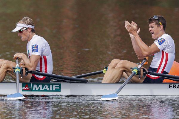 Jérémie Azou (à gauche) et son partenaire Pierre Houin lors de leur victoire aux Etats-Unis pour les championnats du monde
