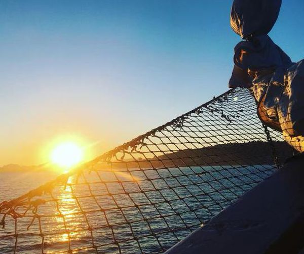 Le navire au large de Côte d'Azur est le seul ainsi ancré.