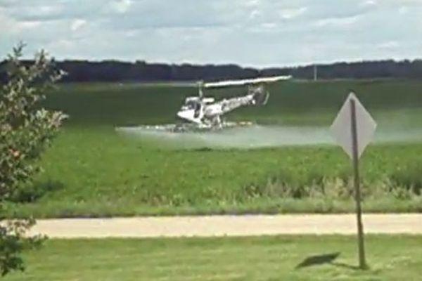 Pulvérisation par hélicoptère dans le Minnesota (USA)