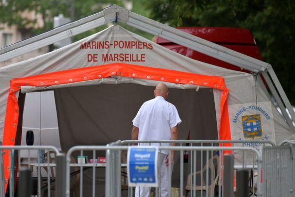 Dépistage du coronavirus à l'IHU Méditerranée à Marseille.