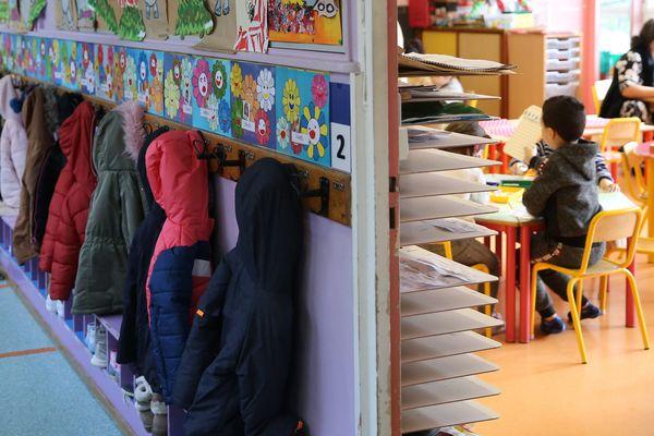 Partout en France, les syndicats d'enseignants veulent mettre en avant les difficultés d'exercer la fonction de directeur d'école en organisant la semaine de la direction d'école du 22 au 26 mars