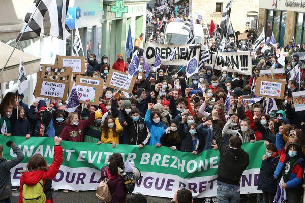Quimper, le 13/03/2021 : Manifestation des associations pour l'enseignement du breton