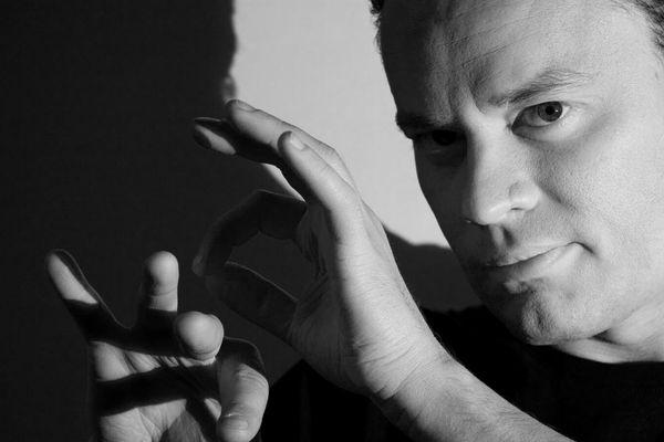 L'ombromane Philippe Beau présentera son spectacle de magie d'ombres ce dimanche à la Comète.