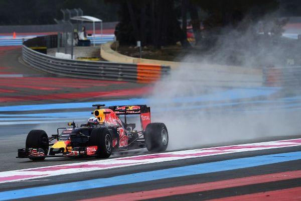 Le pilote australien Daniel Ricciardo sur le circuit du Castellet lors d'une session d'entraînement, le 25 janvier 2016