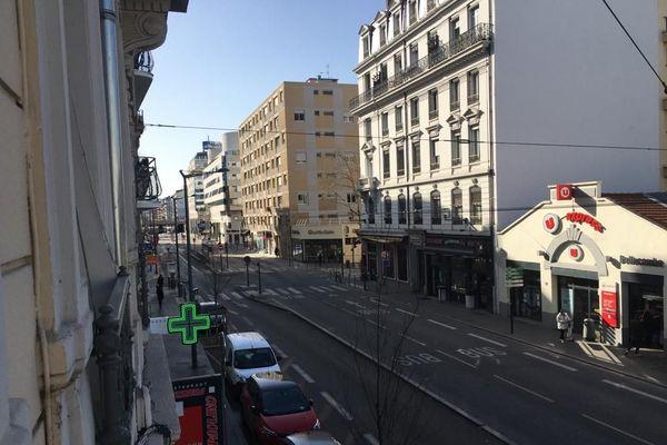 Au lendemain de l'annonce du confinement, le 3e arrondissement semble figé ...
