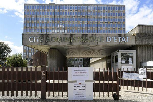 Le bâtiment de la cité administrative d'Etat de Lyon dans le Rhône, construit dans les années 70, va être reconstruite.