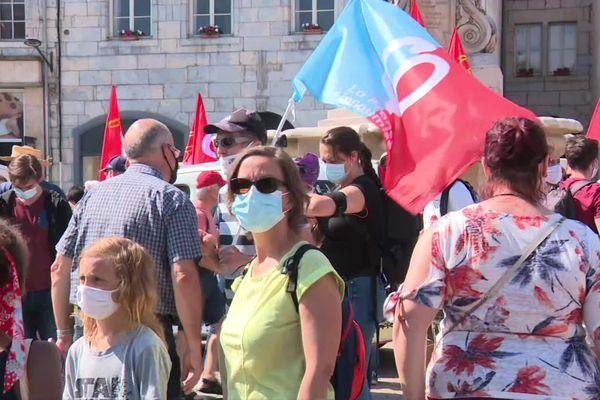 400 personnes étaient réunies au départ de la manifestation à Besançon.