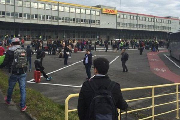 Évacuation de l'aéroport de Bruxelles