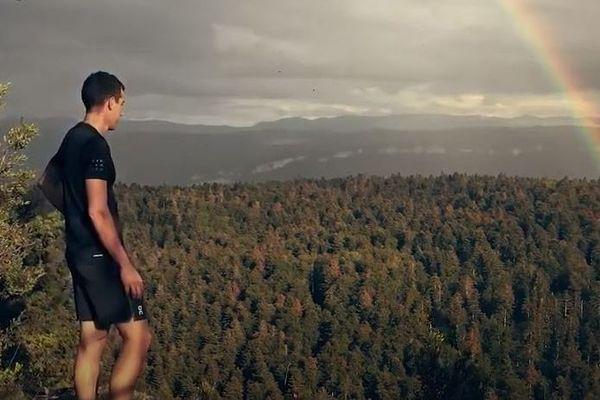 Quentin Fillon Maillet est mis à l'honneur dans ce clip promotionnel pour le Jura.