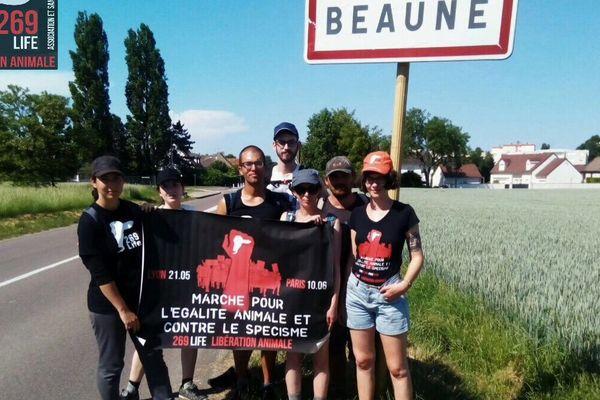 """Les marcheurs de l'Association """"269 Life Libération Animale"""" à Beaune le 28 mai"""
